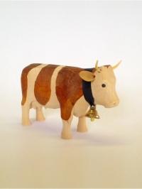 Kuh aus Holz stehend klein