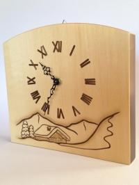 Uhr mit Wintermotiv