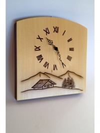Wanduhr aus Holz